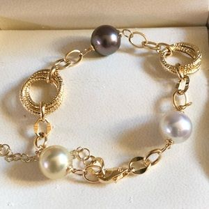 Jewelry - Tara Pearls 18K gold bracelet